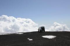Véhicule tous terrains sur le volcan de Mt l'Etna Images libres de droits