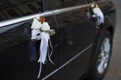 Véhicule wedding décoré Photographie stock
