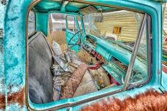 Véhicules automobiles abandonnés dans une ville fantôme de l'Utah Photo libre de droits