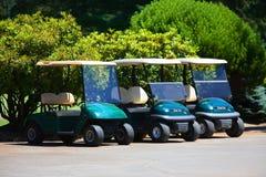 Véhicules de golf photographie stock libre de droits