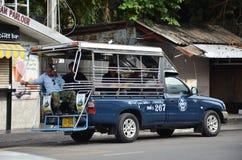 Véhicules de voiture de collecte dans la ville Pattaya Photo stock