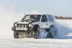 Véhicules tous terrains pendant les concours annuels dans la jeep Photo stock