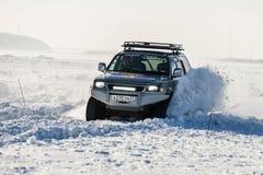 Véhicules tous terrains pendant les concours annuels dans la jeep Image libre de droits