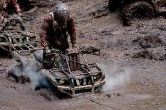 Véhicules tout-terrain dans la boue Photo libre de droits