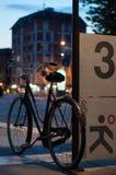 Vélo autour de ville Image libre de droits
