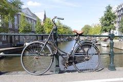 Vélo d'Amsterdam photographie stock libre de droits