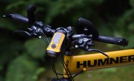 Vélo de montagne de survie, pliage, humner images stock