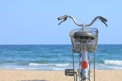 Vélo de plage Photos stock