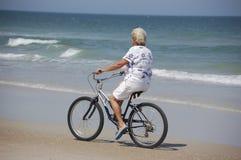 Vélo de plage Photos libres de droits