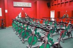 Vélo de rotation de forme physique photo libre de droits