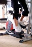 Vélo de rotation en gymnastique photos libres de droits