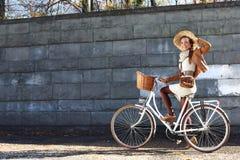Vélo de ville photographie stock libre de droits