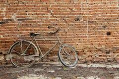 Vélo de vintage photographie stock