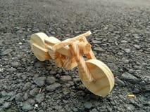 Vélo en bois de couperet Photo libre de droits