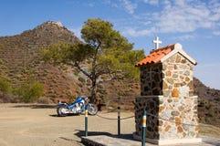 Vélo et église Photo stock