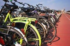 Vélo jaune Image stock