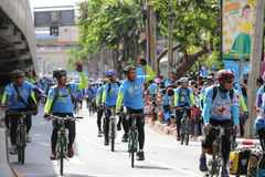 Vélo pour la maman Photos libres de droits