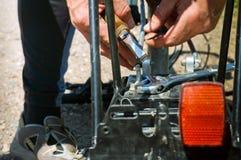 Vélo, tronc, voyage, panne, réparation, difficulté, correcte image stock