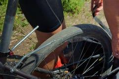 Vélo, tronc, voyage, panne, réparation, difficulté, correcte image libre de droits