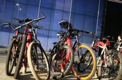 Vélos à Canary Wharf Photos libres de droits