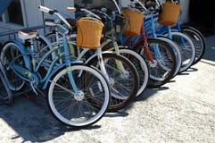 Vélos dans une ligne Photographie stock libre de droits