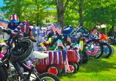 Vélos de défilé du quatrième juillet photographie stock