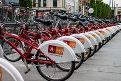 Vélos de location Images libres de droits