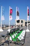 Vélos de ville de Liverpool chez Pier Head Photo stock