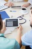 Vérification de l'électrocardiogramme Photo libre de droits