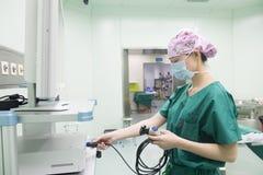 Vérifiez la préparation réservation-préopératoire d'équipement d'opération Images stock