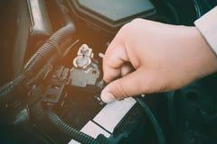 Vérifiez la sécurité incendie de véhicule de câblage de voiture Photo stock