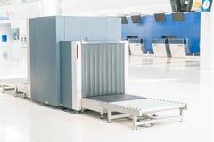 Vérifiez les bagages à l'aéroport Photos stock
