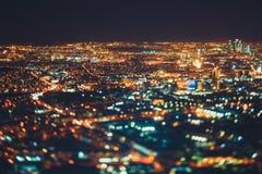 Véritable tir de décalage d'inclinaison de ville de nuit de clou Photographie stock