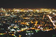 Véritable tir de décalage d'inclinaison de ville de nuit de clou Photographie stock libre de droits