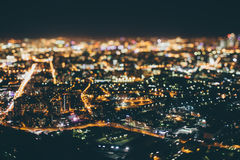 Véritable tir de décalage d'inclinaison de ville de nuit de clou Image stock