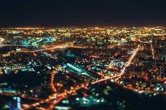 Véritable tir de décalage d'inclinaison de ville de nuit de clou Photos libres de droits