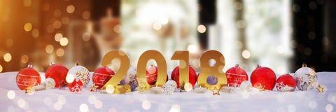 véspera de ano 2018 novo com quinquilharias do Natal e velas do renderin de 3D Imagens de Stock Royalty Free