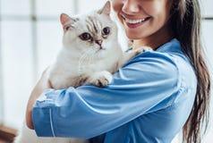 Vétérinaire de docteur à la clinique Images stock