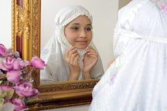 Véu muçulmano do vestido das mulheres Fotos de Stock Royalty Free
