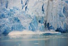Vêlage de glacier, glacier de Sawyer Images libres de droits