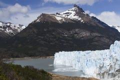 Vêlage de Perito Moreno Glacier, parc national de visibilité directe Glaciares, A Photo libre de droits