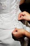 Vêtement de la mariée sur le mariage Images stock