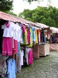 Vêtements à vendre Images stock