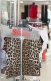 Vêtements à vendre Photographie stock libre de droits