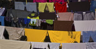 Vêtements colorés Photographie stock libre de droits