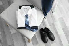 Vêtements d'écolier image stock