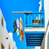 Vêtements d'aération sur un balcon Photographie stock