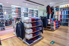 Vêtements d'hiver dans un magasin Image stock