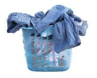 Vêtements dans le panier de blanchisserie photos libres de droits