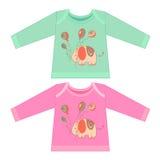 Vêtements de bébé avec des animaux de bande dessinée Petit éléphant rose peu précis Image libre de droits